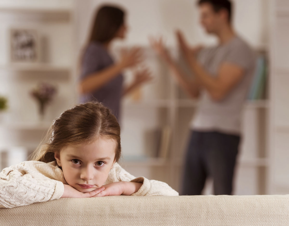 parents fighting and sad kid